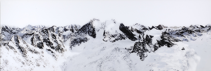 Piz Bernina, Switzerland, 2012, verso signiert und nummeriert, Diasecverfahren, 75 x 220 cm, 3/3